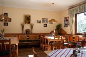 In der kleinen aber feinen Gaststube lässt sich steirische Gastlichkeit genießen.