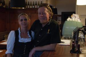Karl und Julia Köllinger setzen bei ihrer Weinauswahl auf Bioweine.