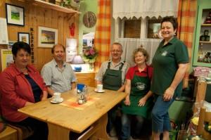 Die Klapothek ist nicht nur ein guter Nahversorger, sondern auch ein wichtiger Treffpunkt für die Dorfgemeinschaft von Arnfels.