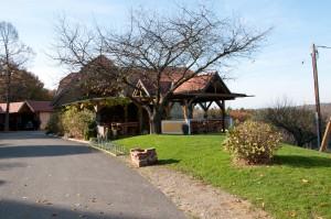 Der Buschenschank Labanz in Oberhaag bietet eine tolle überdachte Terrasse.