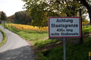 Teile der südsteirischen Weinstraße verlaufen direkt an der slowenischen Grenze...