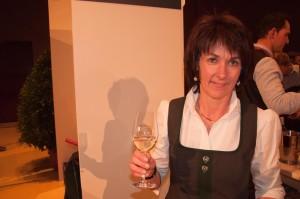 Gerti Klug vom Weingut Klug ist mit ihrer Weinlese sehr zufrieden.