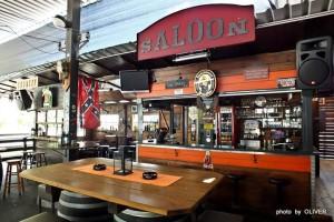Im Sommer ist auch im Saloon Betrieb.
