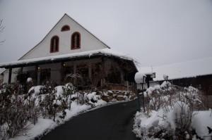 Abels Wirtshaus präsentiert sich derzeit sehr winterlich.