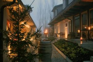 Weihnachtsstimmung im Innenhof (Foto: Ulrike Elsneg)