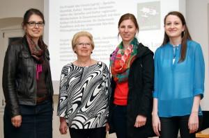 Projektpräsentation (von links) Susanne Weitlaner (Pavelhaus), Maria Potz (Informantin), Barbara Schrammel-Leber [Verein [spi:ĸ], Katharina Tibaut [Uni Maribor)