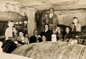 Kellerpartie beim Weingut Dietrich in Eckberg (c) Weingut Dietrich
